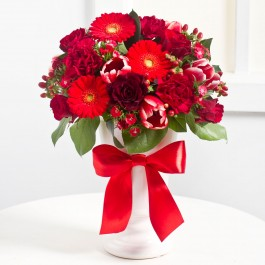 Elegant Bouquet in Red colours, EE#EE342 Elegant Bouquet in Red colours