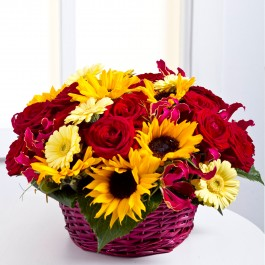 Arrangement in a basket, EE#EE500 Arrangement in a basket