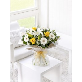 Lemon and White Hand Tied, GB#500526.Lemon and White Hand Tied