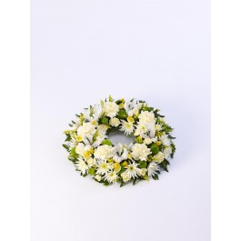 Classic Wreath - Yellow and Cream, IE#500448 Classic Wreath - Yellow and Cream