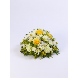 Classic Posy - Yellow and White, IE#500450 Classic Posy - Yellow and White
