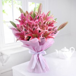 Bunch of 10 Pink Oriental Lilies in Tissue, Bunch of 10 Pink Oriental Lilies in Tissue