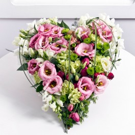 Heartshape arrangement, LT#EE501 Heartshape arrangement