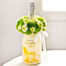 Sparkling Wine Decorated with Flowers, LV#EE906 Sparkling Wine Decorated with Flowers