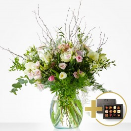 Christmas bouquet: Softly winter. Including Fleurop Flavours, Christmas bouquet: Softly winter. Including Fleurop Flavours