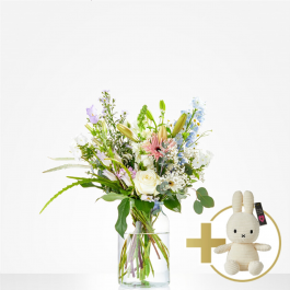 Combi Bouquet: Loving; including white Niffy for €20,-, Combi Bouquet: Loving; including white Niffy for €20,-