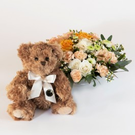 Arrangement with large teddy bear, Arrangement with large teddy bear