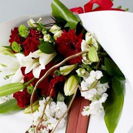 Valentine's Hand Tied Bouquet, Valentine's Hand Tied Bouquet