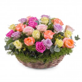 Centrepiece of multicoloured roses, Centrepiece of multicoloured roses