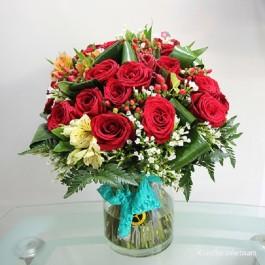 Red roses & seasonal flowers in vase, Red roses & seasonal flowers in vase