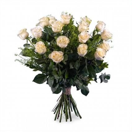 Cariño, 18 Rosas Blancas de Tallo Largo