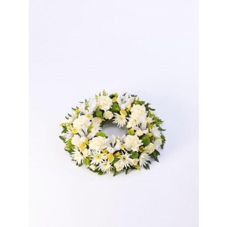 Classic Wreath  Yellow and Cream, GB#500448.Classic Wreath  Yellow and Cream