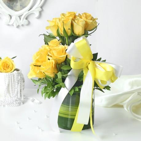 A Yellow Affair, A Yellow Affair