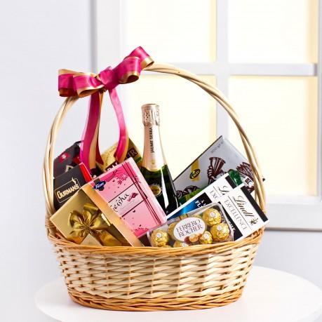 Sweet Gourmet Basket, LT#EE900 Sweet Gourmet Basket