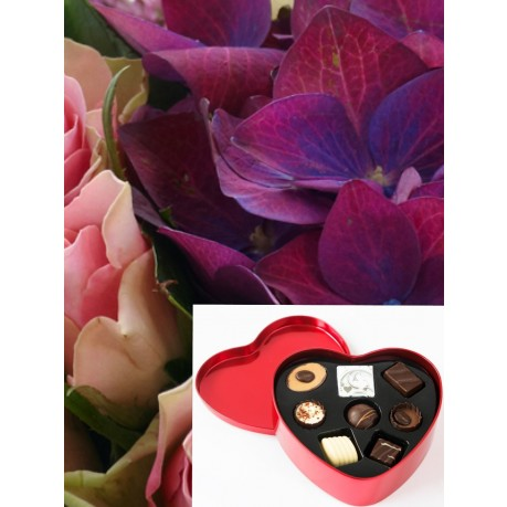Bouquet + PR Heart shaped Chocolate box, Bouquet + PR Heart shaped Chocolate box