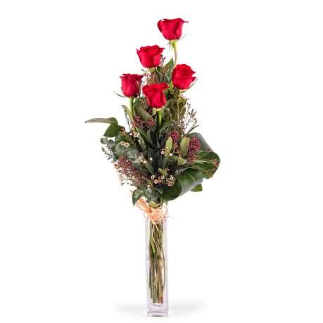 Penta, 5 Rosas Rojas  de Tallo Largo