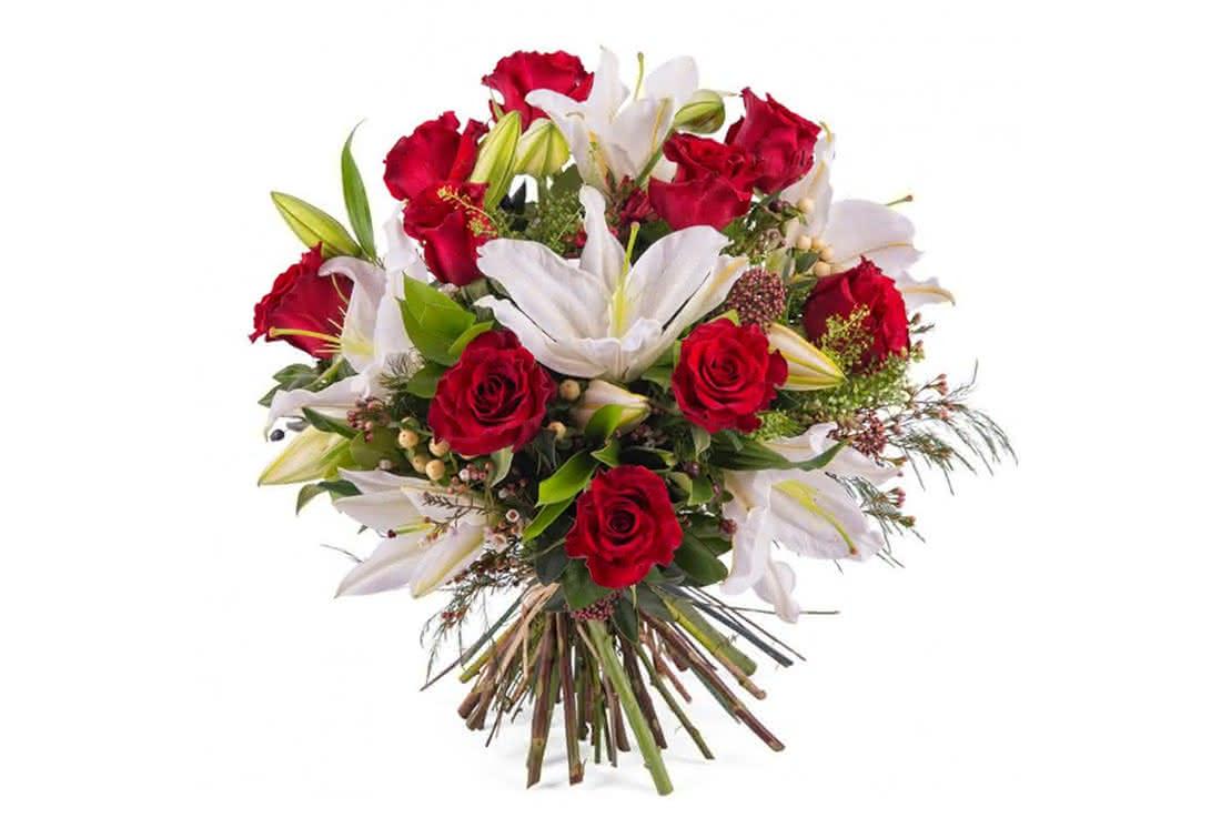 Admiración con rosas de tallo corto para mujeres con talento
