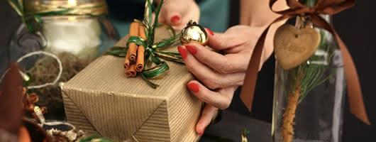 Adornos DIY en tu mesa de Navidad