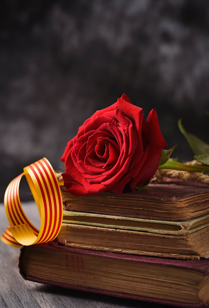 Descubre la leyenda del Día de Sant Jordi y celebra esta fecha regalando rosas