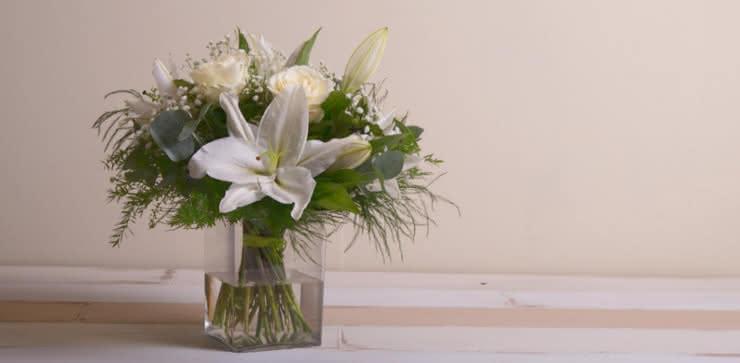 Enviar rosas y liliums a domicilio