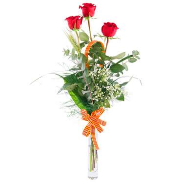 Arreglo de 3 rosas rojas con acabado en espiga y señera